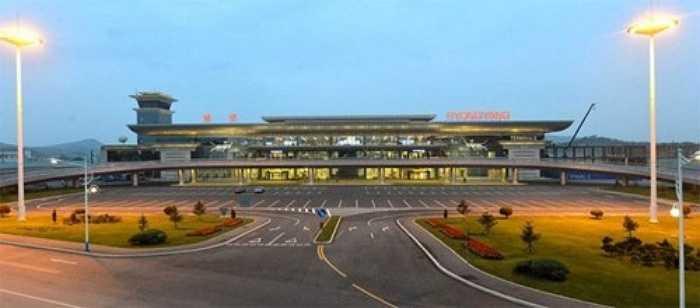 4. Sân bay quốc tế Bình Nhưỡng: Vừa được đưa vào hoạt động từ ngày 01/07/2015, sân bay quốc tế Bình Nhưỡng hiện là sân bay quốc tế hiện đại nhất của Triều Tiên.