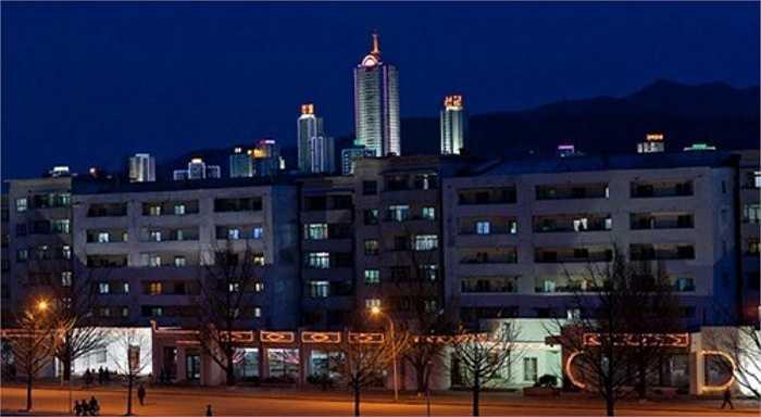 5. Khách sạn dưới nước ở Wonsan: Ngoài các công trình đã hoàn thành và đi vào sử dụng ở trên, The Guardian cho hay, chính quyền Bình Nhưỡng đã công bố dự án phát triển đầy tham vọng nhằm biến Wonsan thành 'thành phố du lịch' với một khách sạn dưới nước vào năm ngoái.