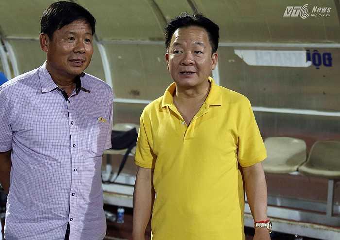 Dù đã rút khỏi cương vị quản lý đội bóng sông Hàn nhưng ông Hiển vẫn có tầm ảnh hưởng rất lớn khi đang là nhà tài trợ chính cho đội bóng sông Hàn. (Ảnh: Quang Minh)