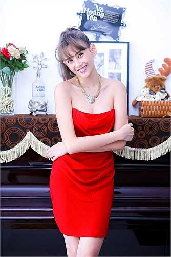 Người mẫu Hoàng Yến cũng sở hữu căn hộ riêng hiện đại, ấm cúng tại Sài Gòn. Côtrang trí các gian phòng theo xu hướng nội thất được ưa chuộng hiện nay.