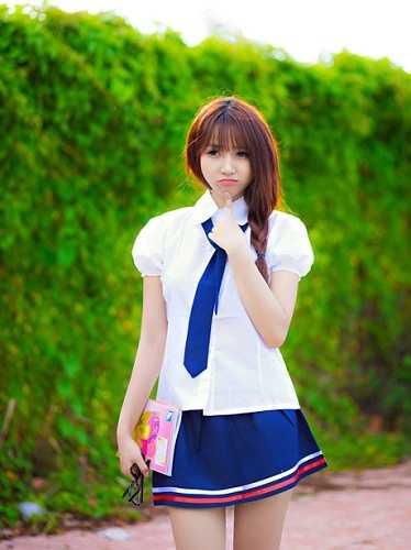 Trong bộ ảnh mới nhất của mình, nàng DJ xinh đẹp đã hóa thân thành một cô học sinh cấp 3 dễ thương và trong sáng...