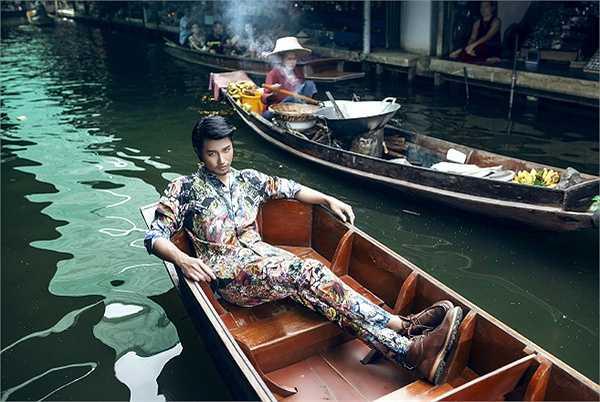 Hiện tại, Hồ Vĩnh Anh hoạt động chính tại thị trường Thái Lan với vai trò người mẫu ảnh và quảng cáo. Tuy vậy, chàng trai sinh năm 1989 vẫn duy trì sự nghiệp tại Việt Nam. Anh cho biết, dù làm việc tại xứ người nhưng bản thân Vĩnh Anh luôn hướng về quê hương, mong muốn được khán giả quan tâm và truyền thông nhắc đến