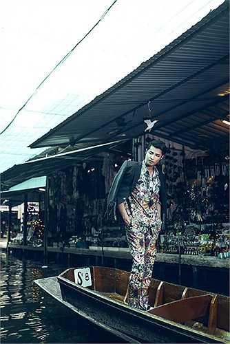 Chi sẻ về công việc người mẫu tại đất nước có lĩnh vực quảng cáo phát triển, Vĩnh Anh cho biết, anh may mắn khi được ký kết hợp đồng cùng một công ty quản lý người mẫu danh tiếng và chuyên nghiệp tại Bangkok