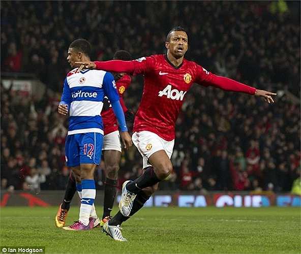 Trong số đó, chỉ có 2 mùa 2010-11 và 2011-12 là Nani chơi được, khi có hơn 40 lần ra sân và ghi 10 bàn thắng. 5 mùa còn lại, anh hầu như chỉ là phương án dự phòng