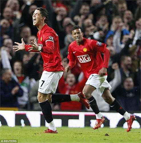 Theo bước Ronaldo 'xịn', Ronaldo 'đàn em' đã rời Old Trafford