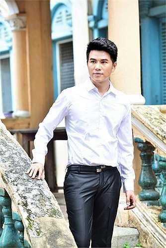 Sau thành công của Hoa khôi Đồng bằng 2015, Vũ Mạnh Cường lại tiếp tục cùng diễn viên Mai Phương cầm trịch đêm chung kết 'Giờ thứ 9'.