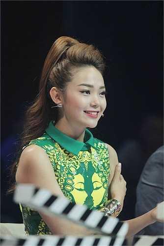 Cô gây ấn tượng với vai trò giám khảo chương trình ngay từ những ngày đầu tham gia.