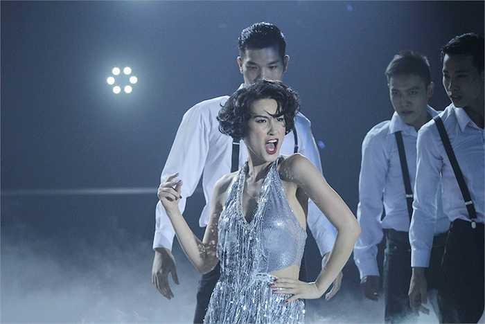 Kathy Uyên đem đến vở nhạc kịch 'Chicago'   Trung Ngạn