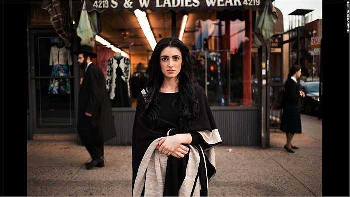 Nhiếp ảnh gia Mihaela Noroc đã đi qua 37 quốc trên thế giới và ghi lại những hình ảnh đời thường giản dị của những người phụ nữ