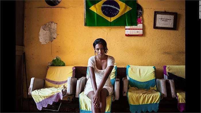 Cô gái Brazil
