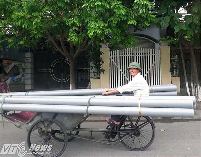 Những kiểu tham gia giao thông như này có lẽ chỉ có ở Việt Nam.