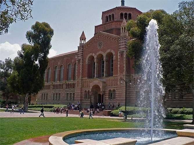 Sau đó, ông tới học ngành khoa học máy tính ở Đại học California UCLA