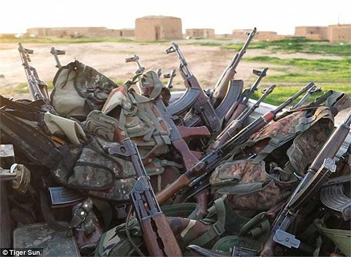 Vũ khí của các chiến binh chống IS