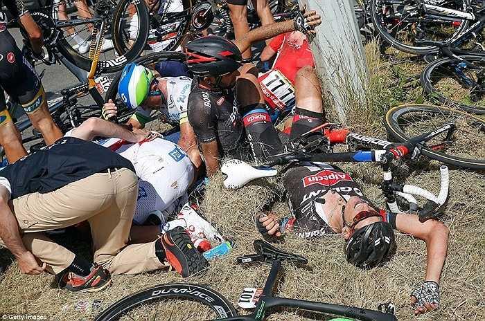 Đây là vụ tai nạn được đánh giá là nghiêm trọng bậc nhất trong lịch sử Tour de France