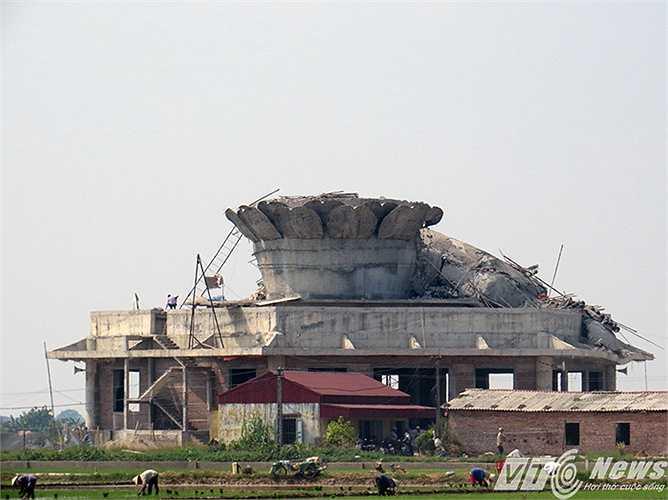 Chùa Sắc Thiên Vương Quan Âm tọa lạc trên diện tích rộng hàng ngàn mét vuông giữa cánh đồng xã An Mỹ (huyện Quỳnh Phụ, Thái Bình).
