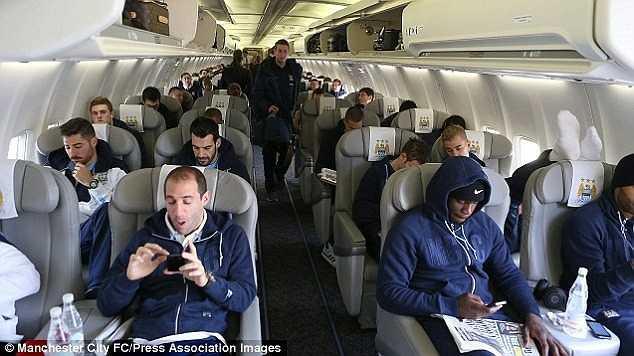 Tuy nhiên, bầu Hiển đang đề nghị lãnh đạo Manchester City thuyết phục Aguero tới du lịch tại Việt Nam.