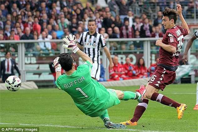 Truyền thông Anh mới đây khẳng định, Man Utd đã hoàn tất bản hợp đồng với hậu vệ đa năng (25 tuổi, 1m82) Matteo Darmian từ Torino. Đây mới là chữ kí thứ 2 của Quỷ đỏ ở Hè này sau lời hứa 'bạo chi'.