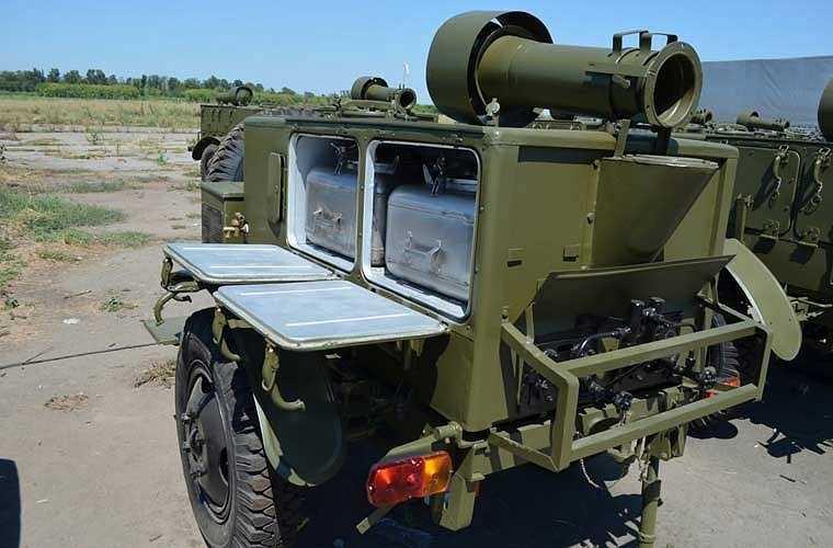 Xe bếp có khả năng cung cấp dinh dưỡng cho 125 binh sĩ (quân số của một đại đội). Một chu trình nấu ăn cho 125 người sẽ mất chừng 50-60 phút. Ảnh: mẫu xe bếp quân sự KP-125 ở Nga.