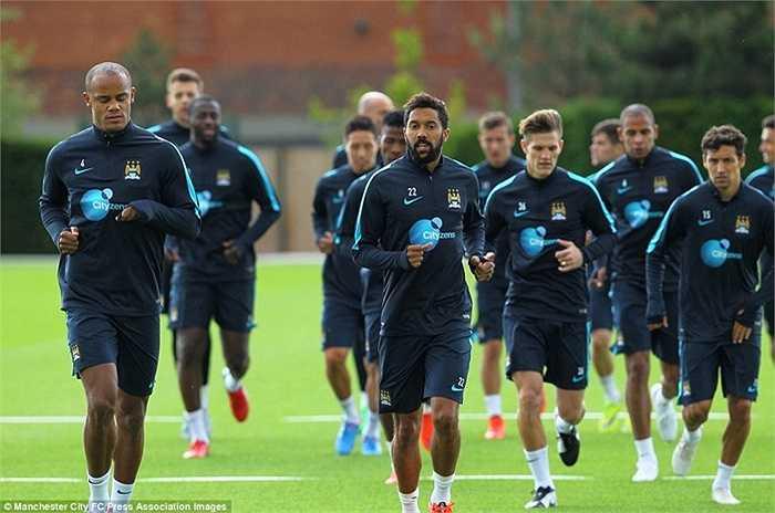 Vào ngày hôm qua 7/7, 3 tuần trước thời điểm sang Việt Nam, các cầu thủ Man City đã tập luyện trở lại
