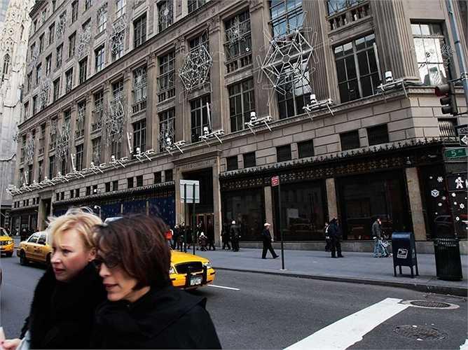 Upper Fifth Avenue, New York: Giá bán 108.000 USD/m2. Những năm cuối thế kỷ 19, con đường này gắn với sự giàu có và các gia đình thượng lưu. Đến nay đây vẫn là biểu tượng sự giàu có