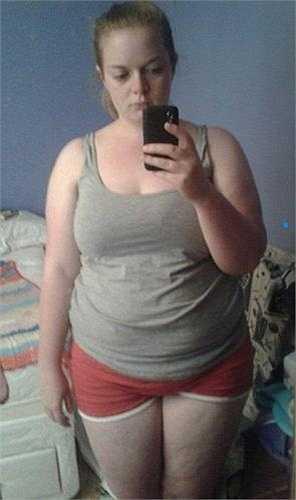 Emily chia sẻ, cô từng bị ám ảnh bởi cân nặng khi luôn là cô bé to lớn nhất lớp và thường xuyên bị bạn học trêu ghẹo về cân nặng và ngoại hình nhưng điều đó không bao giờ ngăn cản cô làm những điều cô muốn.