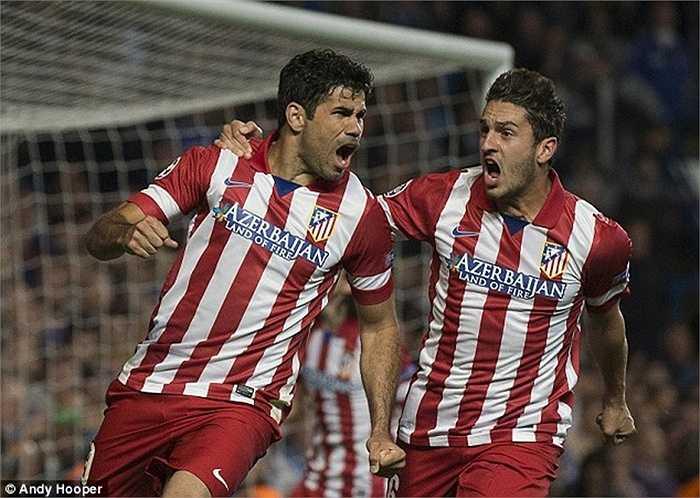 Mùa hè năm ngoái, đến lượt Diego Costa cập bến Chelsea với giá 32 triệu bảng