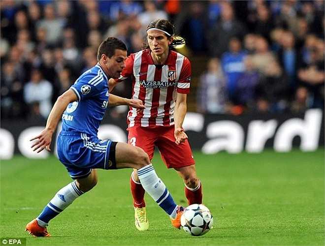 Cùng đi với Costa còn có Filipe Luis với giá 16 triệu