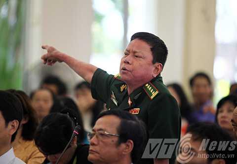 Đà Nẵng, Bí thư Thành ủy, HĐND, bị dân truy, trực tuyến, resort bít đường, xuống biển