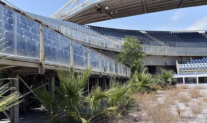 Thế vận hội Athens 2004 đã 'ngốn' khoảng 15 tỷ USD (gần 22.000 tỷ đồng) tiền ngân sách của Hy Lạp, trong khi dự tính ban đầu chỉ mất khoảng 1,6 tỷ USD.