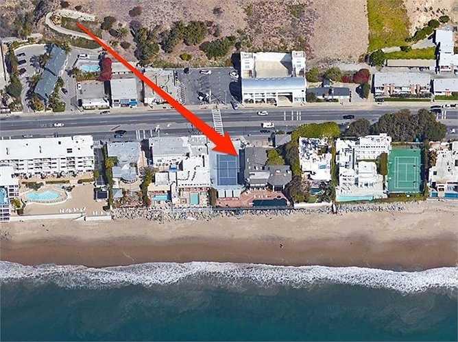 Joel Silver - nhà sản xuất phim giàu có đã chi hơn 14 triệu USD để mua căn hộ siêu đẹp bên bờ biển