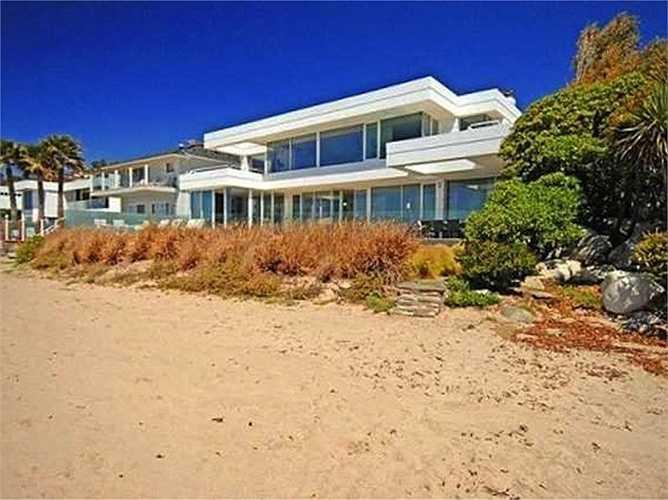 Les Moonves - Chủ tịch hãng truyền hình CBS mua lại căn nhà của Paul Allen hồi năm 2014 với giá 28 triệu USD