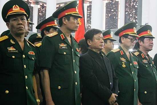 Chủ tịch Hội Nhạc sĩ Việt Nam, nhạc sĩ Đỗ Hồng Quân tại lễ tang.