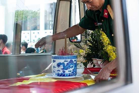 Linh cữu của nhạc sĩ An Thuyên được mang về an táng tại nghĩa trang Lạc Hồng Viên, Hòa Bình.