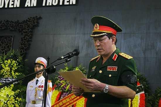 Thượng tướng Lương Cường đọc truy điệu tại lễ tang nhạc sĩ An Thuyên