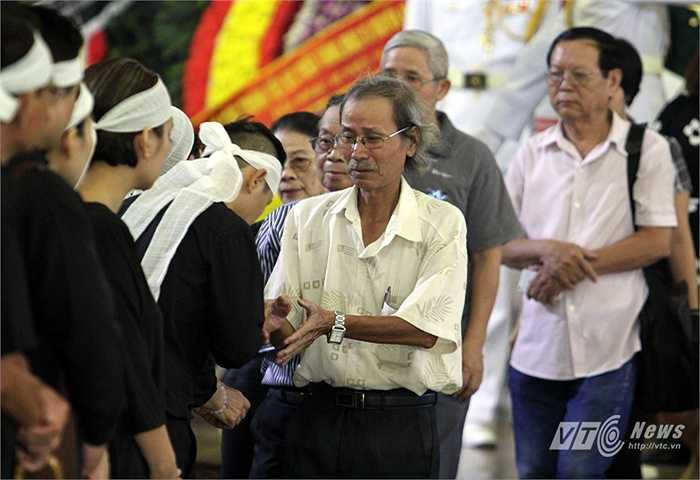 Gia đình nhạc sĩ Văn Cao chia buồn cùng gia đình nhạc sĩ An Thuyên.
