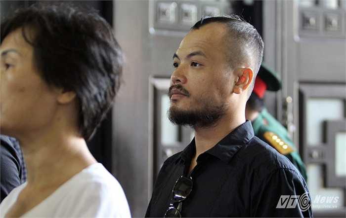 Ca sĩ Trần Lập cũng tới tiễn biệt người nhạc sĩ đáng kính.