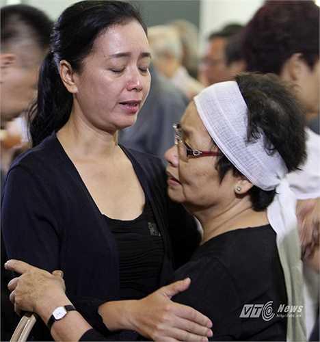 Bà chia sẻ nỗi mất mát to lớn cùng gia đình nhạc sĩ An Thuyên.