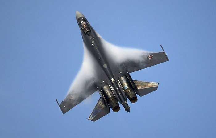 Su-35 được xem như một biến thể cải tiến của Su-27, tên gọi NATO của nó là Flanker-E