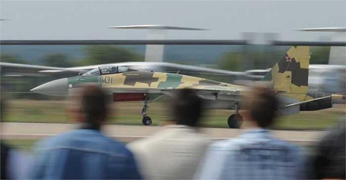Các tạp chí Mỹ cho rằng đây là máy bay có động cơ mạnh mẽ, khả năng hoạt động linh hoạt với tải trọng vũ khí lớn