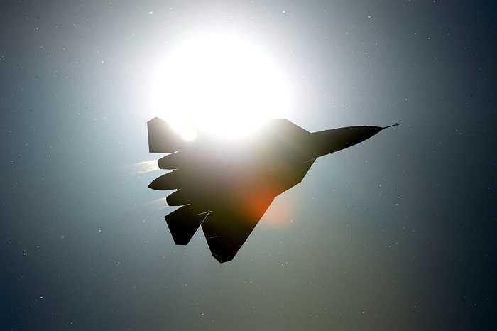 T-50 được thiết kế để thay thế các máy bay chiến đấu thế hệ 4 Su-27