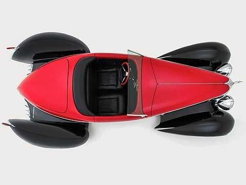 Chiếc xe là sự pha trộn tuyệt mỹ giữa cổ điển và hiện đại. Một cái gì đó mà giống trong các bộ phim viễn tưởng.