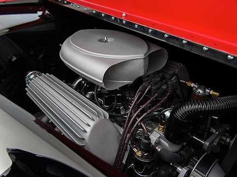 Terry Cook đến từ Delahaye, Mỹ, là nhà thiết kế ra chiếc xe. Ông có kiến thức và sự hiểu biết lịch sử uyên thâm với thế giới ô tô.