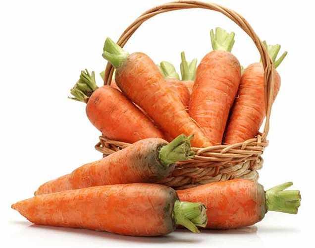 Vitamin A: Cà rốt, dưa hấu, bí ngô và một số loại rau lá cung cấp cho bạn vitamin A. Đây là một trong rất nhiều vitamin bạn không thể bỏ qua vì nó giúp xây dựng hệ miễn dịch và giữ cho mắt luôn khỏe mạnh.