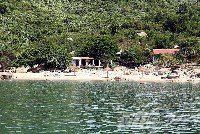 Bãi Sụng Cọ, một trong những bãi biển hoang sơ của Đà Nẵng