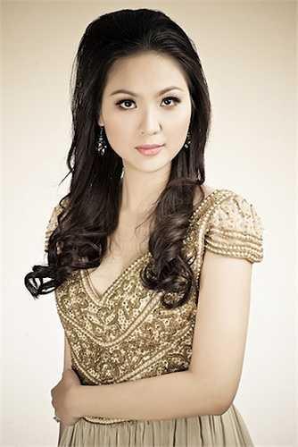 Sau khi đăng quang, cô dành nhiều thời gian đi du lịch và gặp Mai Thanh Hải, con trai nguyên Thứ trưởng Bộ Thương mại Mai Văn Dâu.