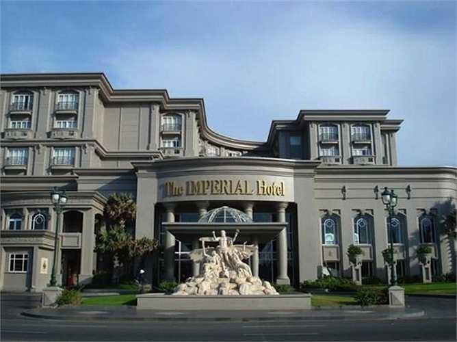Gia đình cô sở hữu khách sạn 5 sao ở TP.Vũng Tàu, nơi Hà Kiều Anh thường xuyên đến nghỉ dưỡng và chăm sóc.