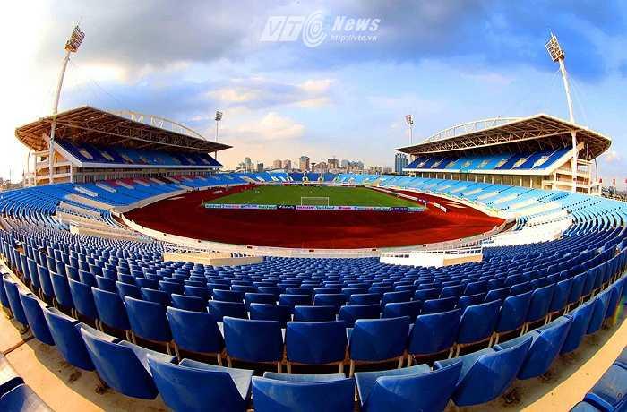 Ngày 9/7, Khu Liên hợp thể thao quốc gia và Liên đoàn bóng đá Việt Nam (VFF) đã đặt bút ký hợp đồng về việc thuê sân vận động quốc gia Mỹ Đình. (Ảnh: Quang Minh)