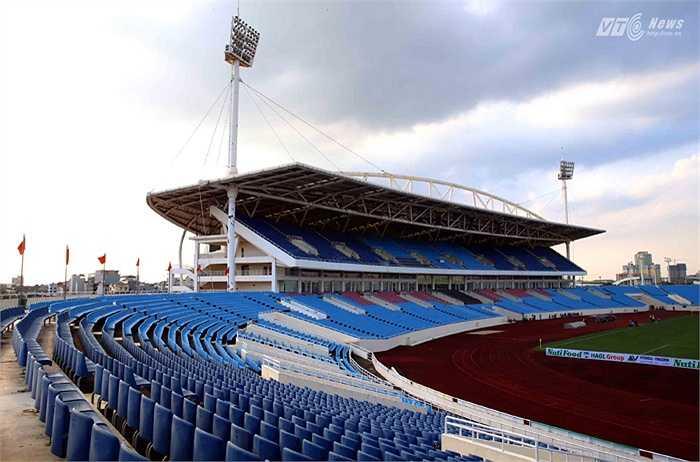 Giá thuê sân được Khu Liên hợp thể thao, VFF và SHB thống nhất là 800 triệu đồng. Đây được xem là giá thuê thấp hơn so với quy định. (Ảnh: Quang Minh)