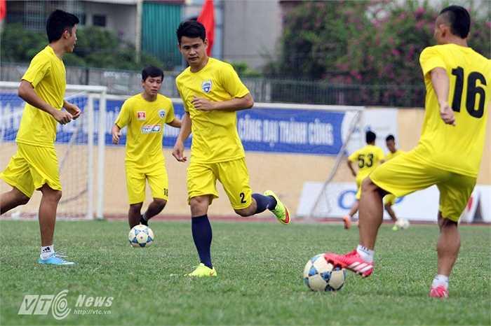 Hoàng Đình Tùng vẫn là chân sút số 1 và được chờ đợi nhất của đội bóng xứ Thanh.