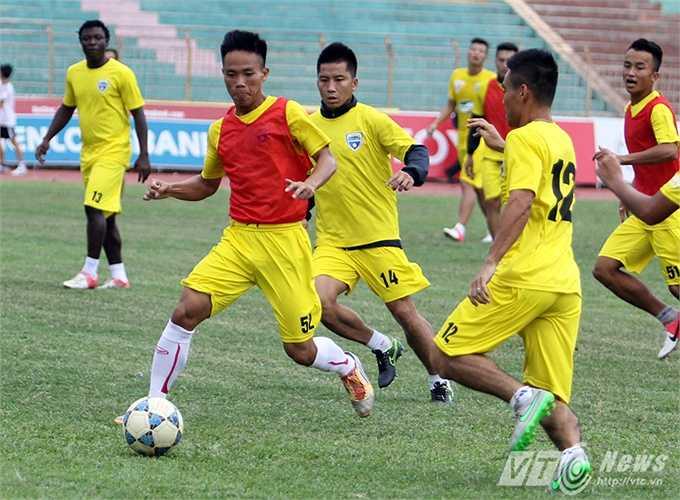 Được chơi trên sân nhà là một lợi thế rất lớn để đội bóng của HLV Hoàng Thanh Tùng có thể vượt mặt B.Bình Dương, vươn lên ngôi đầu.